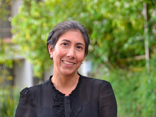 Marcela-Eslava-elegida-como-Fellow-en-The-Econometric-Society.jpg